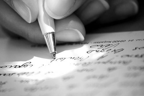 How to Write a Book In These 8 Steps by guest @TheLeighShulman via @BadRedheadMedia #Writing